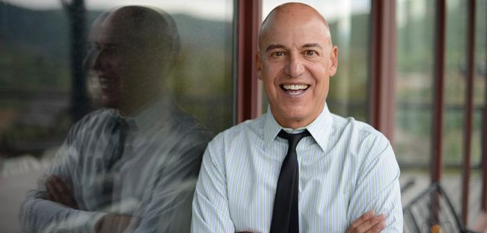 Cómo uno de los economistas más influyentes del mundo se ENAMORÓ del mercadeo en red