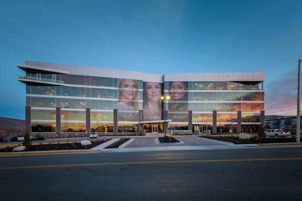 Sede mundial da Younique em Lehi, Utah