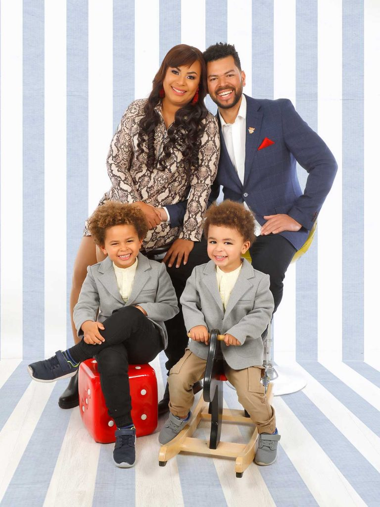 Altagracia y Julián con sus hijos