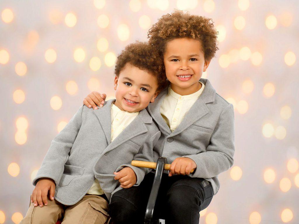 Liam y Dylan, hijos de Julián y Altagracia