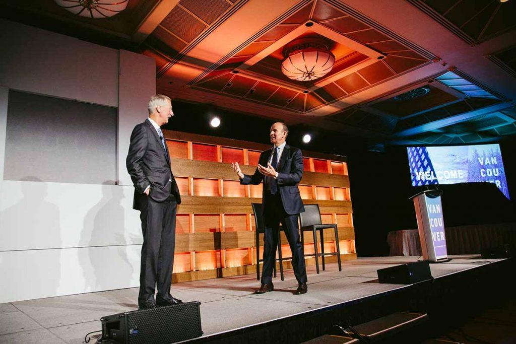 Steve Van Andel y Doug DeVos dirigieron a Amway hasta 2019