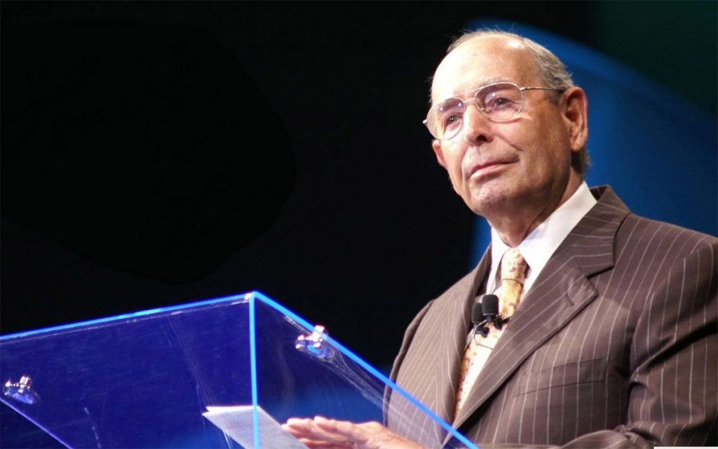 Rich DeVos durante una conferencia.