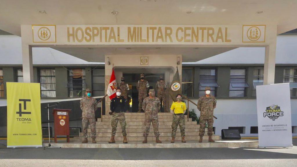 Entrega de ayudas en el Hospital Militar Central, el la ciudad de Lima.